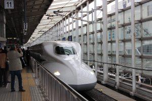 スカイマーク 予約のタイミングでグッとお得に!旅をするなら飛行機?新幹線?